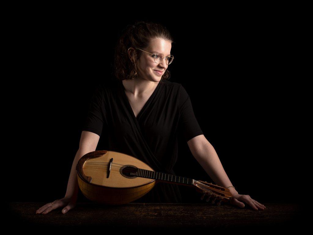 Lotte Nuria Adler - Mandoline